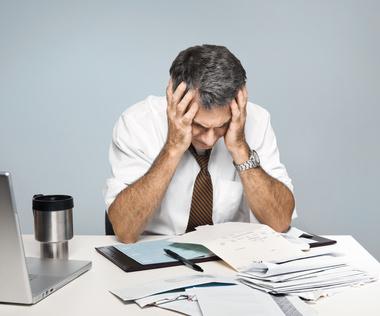 Viele Menschen werden in Schulden gedrängt